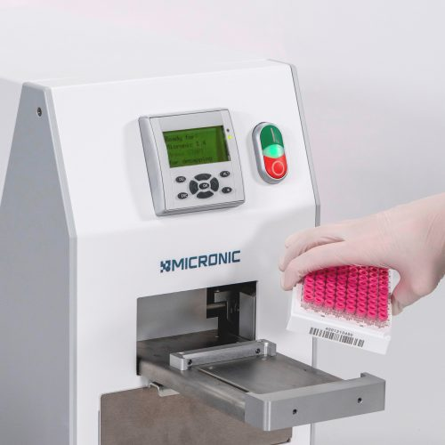 Micronic decapper for push caps