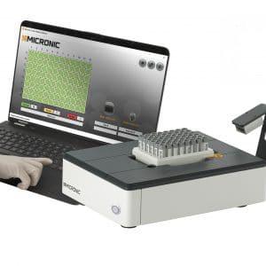 Rack Reader DR710 with laptop
